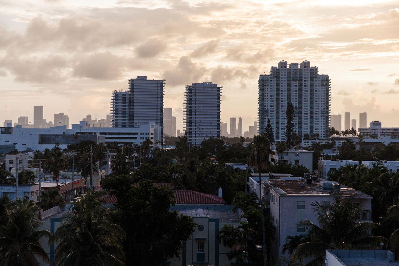 Le Miami by Miguel Guedes Ramos